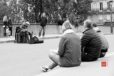 street photography paris 4eme